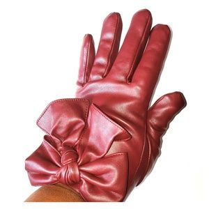 NWOT TORRID Faux Leather Bow Fur Lined Gloves